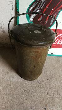 Alte Mülltonne Mülleimer mit Deckel NR 1508indus