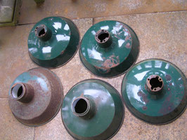 alte Emaille Lampenschirme petrol-grün 1604