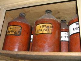 alte Apothekerflasche aus Metall Apothekerdose Nr 3