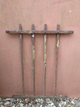 schlichtes alte Gitter  2206