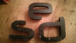 alte Buchstaben aus Kunststoff (rest)