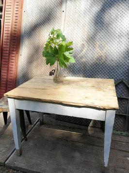 alter Landhaus Tisch 270609