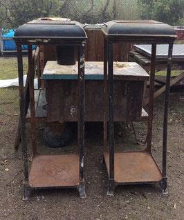 1 Paar alte Ofengestelle für Vitrinenbau Schaukasten etc...