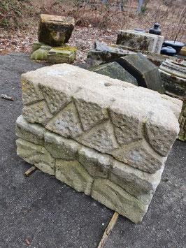 2er Set alte Ziersteine Podeste Sockel Sandstein