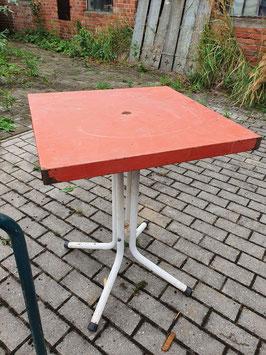 alter Eisentisch Metalltisch Gartentisch orange-rot 3108-01