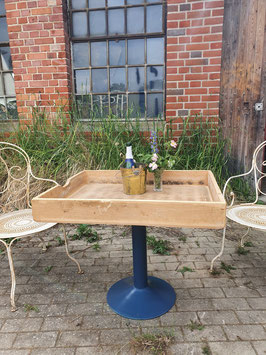 alter Tablett-Tisch groß Nr 1606-04