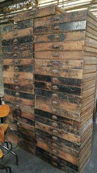 Schöne, große, alte Schubladen mit Muschelgriffen Nr 0412