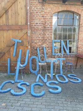 selten schöne alte Buchstaben aus schwerem Eisen XL 2305blau