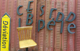 Witzige Typo alte Buchstaben 2905-04