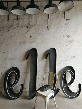 """Vintage Buchstaben schwarz metall """"elle"""""""