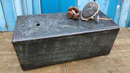 altes Becken genietet Couchtisch oder Stehpult 2510