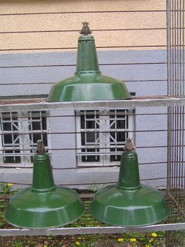 alte große Emaille Lampe grün