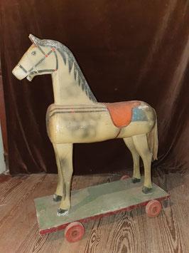 Schöne Pferd auf Rollen Holz Nr 1510