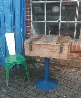 Tisch Beistelltisch Bistro- oder Kneipentisch mit Holzkiste (mehrere vorhaden) Nr 1012