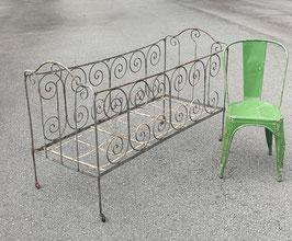 antikes Metall Kinderbett aus Frankreich ca 60 x 140 cm Nr 0107