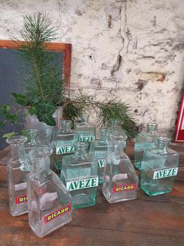alte Pastis Flaschen Glasvasen Aveze oder Ricard Nr 0203