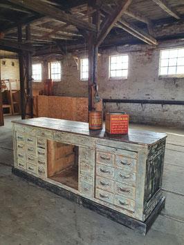 Toller antiker Tresen Verkaufstresen Schubladenschrank restauriert Nr 1003