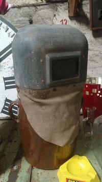 alte Schweissmaske als Deko DDR 2207
