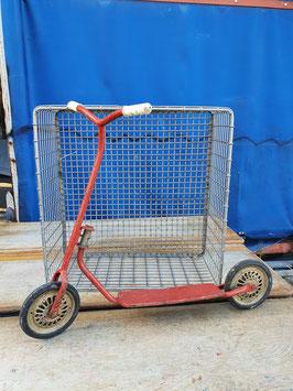 dekorativer antiker Roller Kinderroller rot Nr 0304