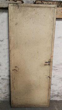 alte Metalltür Feuerschutztür Eisentür mit Rahmen Nr 1803-02