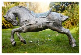 altes antikes Karussellpferd aus schwerem Aluguss NR 0511