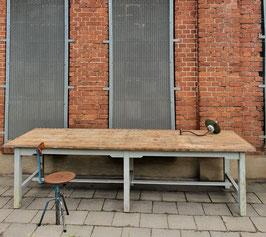 großer alter Werktisch ca 3 m lang Nr 0710