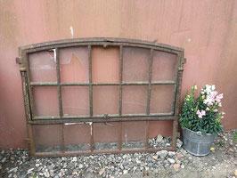 altes Eisenfenster Stallfenster zum Klappen 20067