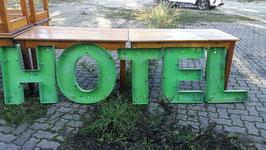 alte Buchstaben von einem HOTEL Nr 1210