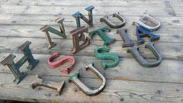 Sehr schöne Vintage Buchstaben aus Metall mit toller Patina Nr 3108