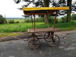 großer Marktwagen Transportwagen antik Marktstand