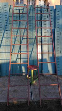 alte Eisenleiter Metallleiter zum einhängen Bibliotheksleiter Nr 2302