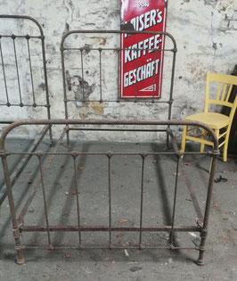 altes antikes Bett Metallbett aus Frankreich Jugendstil nr 0803