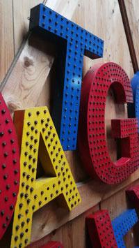 alte Vintage Leuchtbuchstaben mit vielen Glühlämpchen Nr 0501