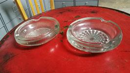 1 Paar alte Aschenbecher Pressglas Nr 0810