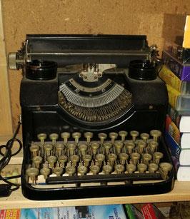 antike Schreibmaschine 2510