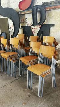 6 er Set alte Schulstühle Stapelstühle für Erwachsene (breiter als normal) Nr 1206