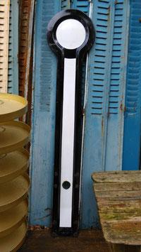 alter Signalflügel eines Formsignals von der Bahn