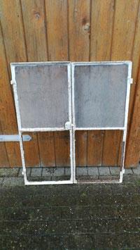 altes Eisenfenster 2 Fügel 95 x 79 cm
