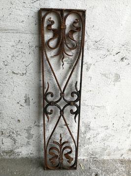altes Fenstergitter Gusseisen Türgitter aus Frankreich Nr 611-02
