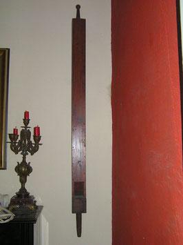 antike historische Orgelpfeife aus Holz