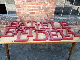 alte Buchstaben aus Blech 2305ROT