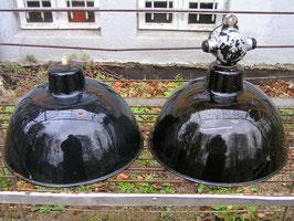 alte Fabriklampe schwarz