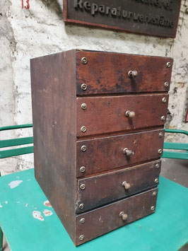 Altes Schubladenschränkchen Nähschränkchen Nr 2505