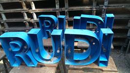 alte Werbebuchstaben Leuchtreklame Buchstaben 0109rest