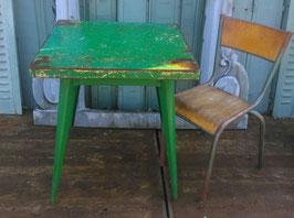 alter Tolix Tisch im seltenen Format Nr 2302
