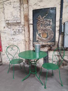 Tolle alte Gartenmöbel aus Metall 2902