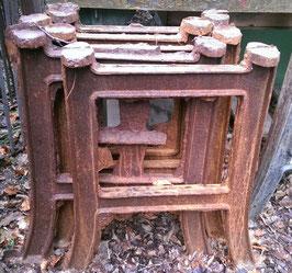 3 alte Maschinenfüße Tischfüße Tischgestelle Nr 0905
