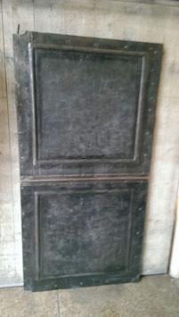 alte Eisentüren z. B. als Tafel für Magneten sehr gut geeignet Nr 2912