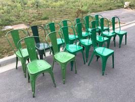 alte Tolix Typ A Stühle grün