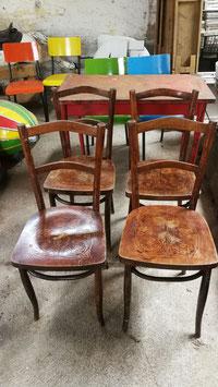 antike Stühle mit Prägung Nr 1603
